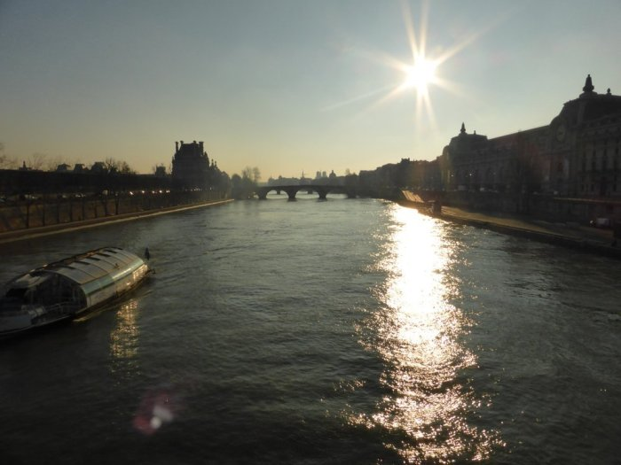 Morning walk on the Seine.