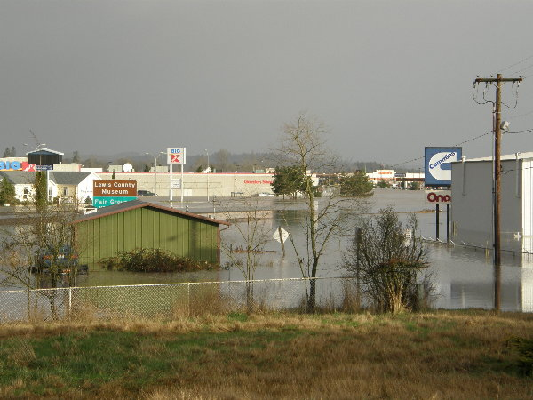 looking-out-over-i-5-in-12-07-flood