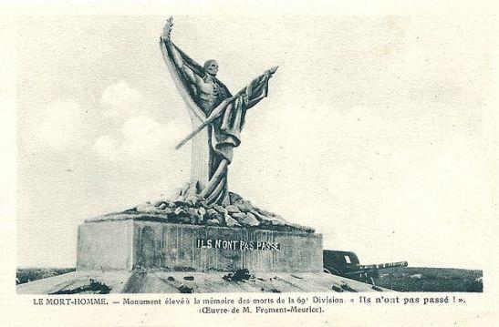 """""""Le Mort-Homme: Monument élevé à la mémoire des soldats de la 69e division."""" Wikimedia Commons."""