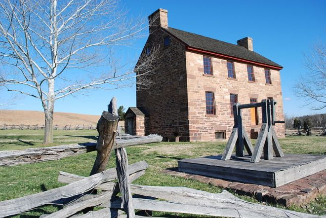 Little definitive information survives on the specific uses of the Stone House during the two battles fought at Manassas, thus giving rise to interpretive confusion surrounding the building. Photo courtesy Wikimedia Commons.
