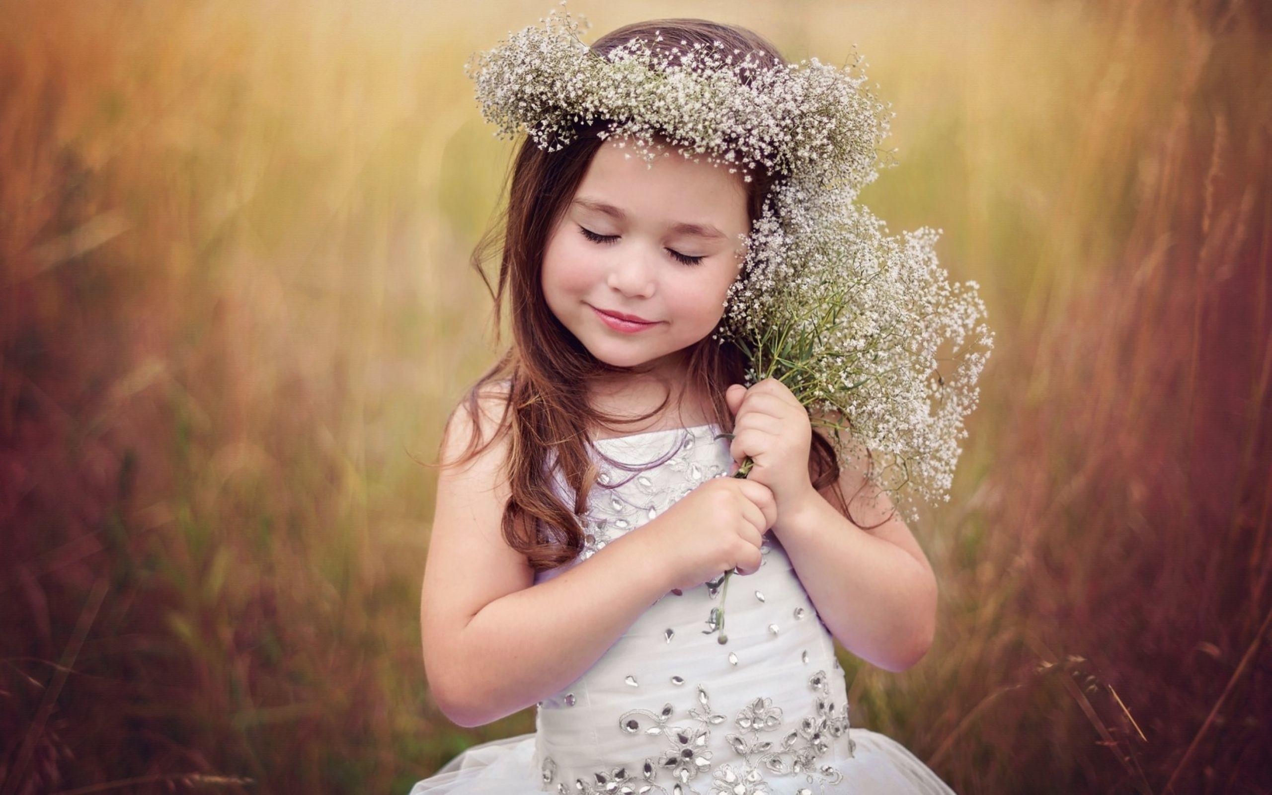 cute baby girl wallpaper