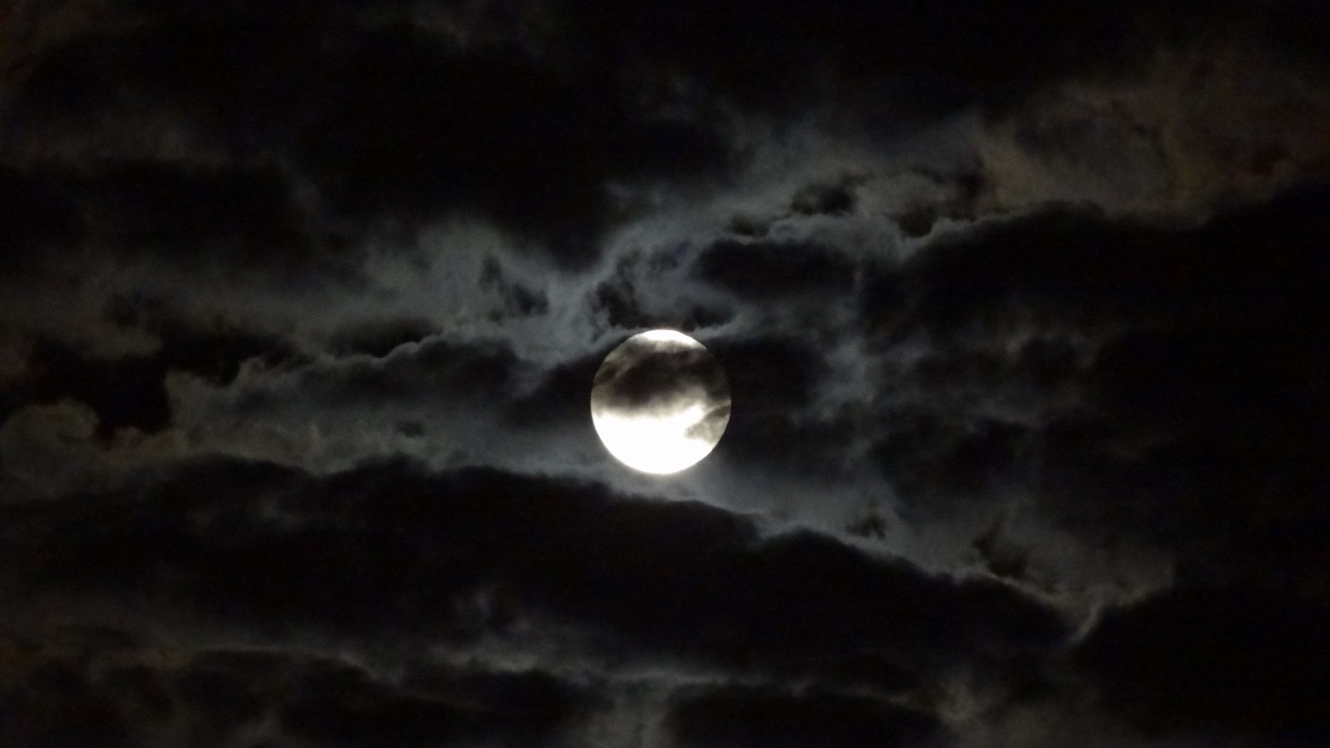 dark cloud wallpaper 64