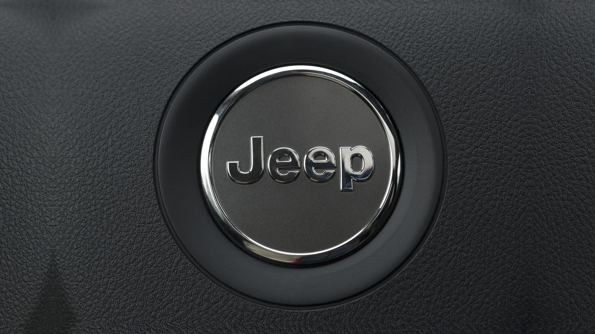 Jaguar Car Logo Hd Wallpaper Download Jeep Logo Wallpaper 61 Images