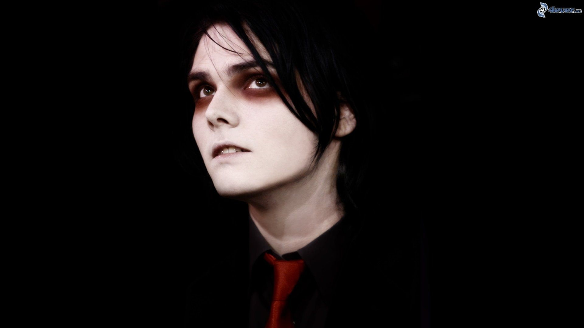 My Chemical Romance Iphone Wallpaper Gerard Way Wallpapers 75 Images