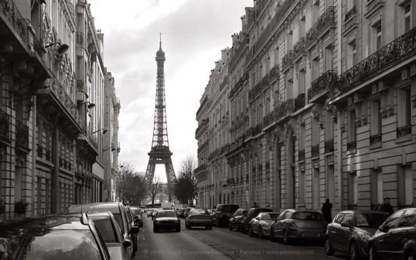 Paris Black and White Screensavers