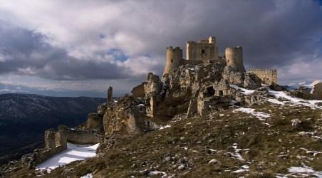 medieval castle ruins landscape ireland castles mountain desktop backgrounds