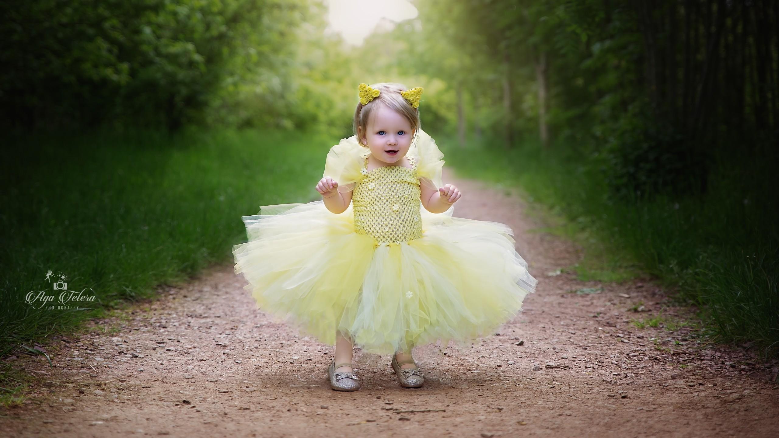 Cute Girl Smiling Hd Wallpaper Baby Girl Wallpaper Images 70 Images