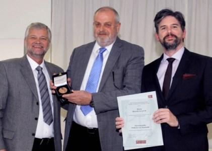 Entrega de Medalla al Mérito «Wilhelm von Humboldt»