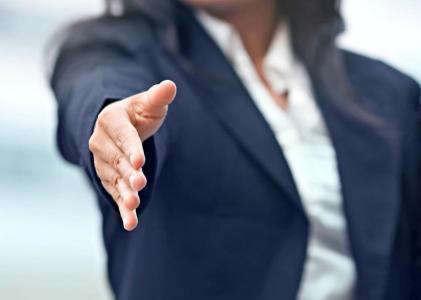 Trabajo: ¿por qué las mujeres debieran cambiar su manera de negociar?