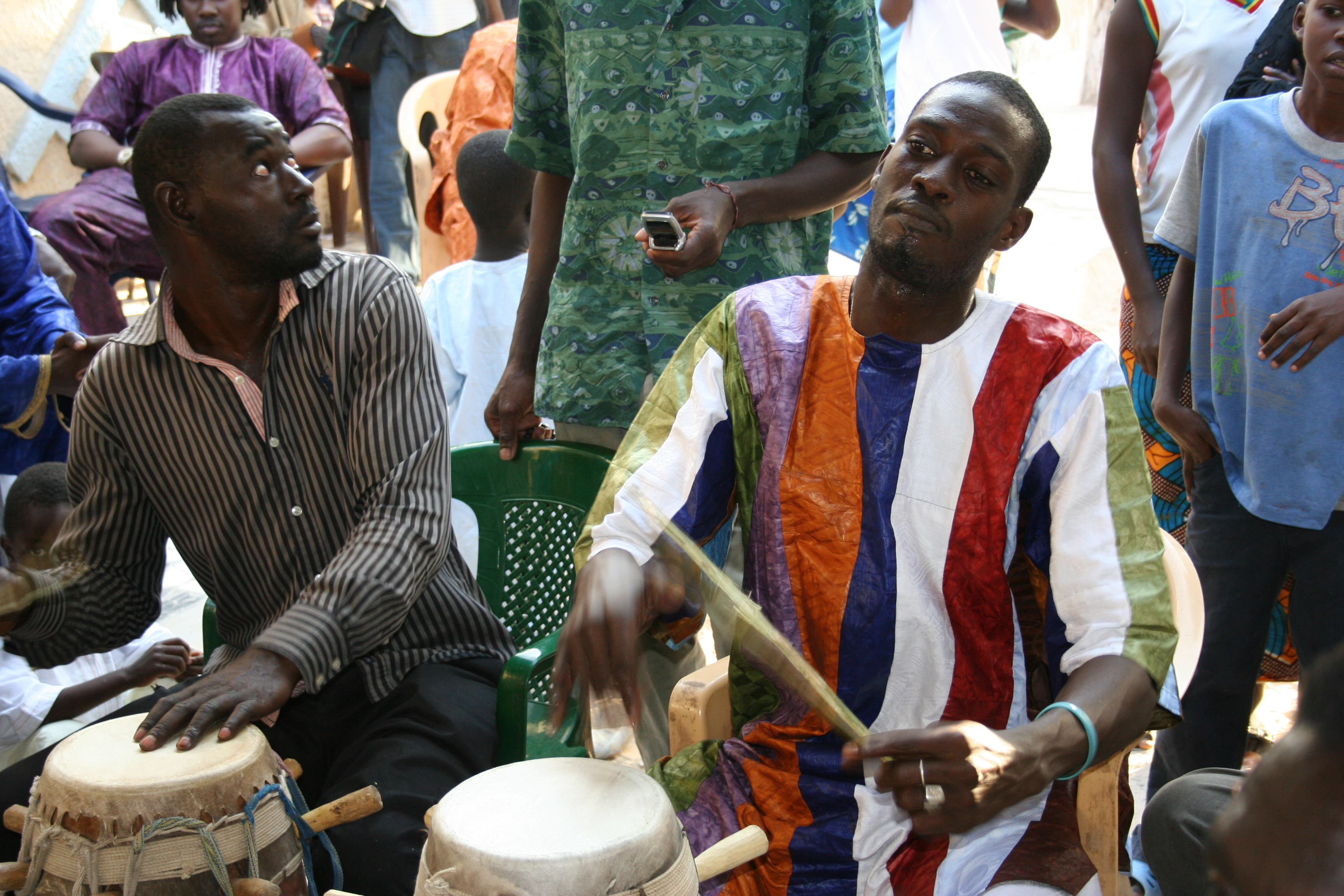 Moustapha Faye playing col with Abdoulaye Ba.