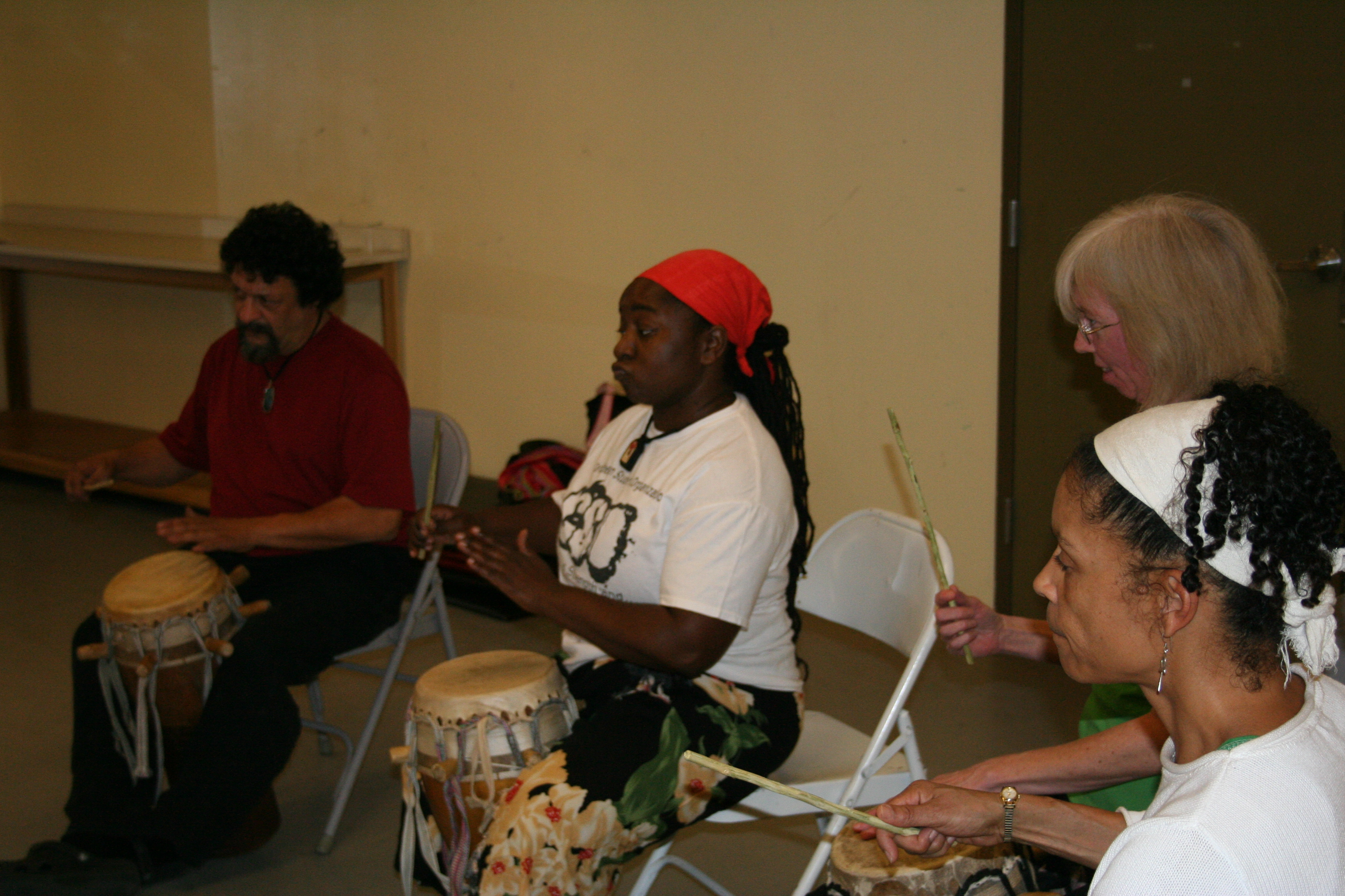 Students in Moustapha Faye's drum class.