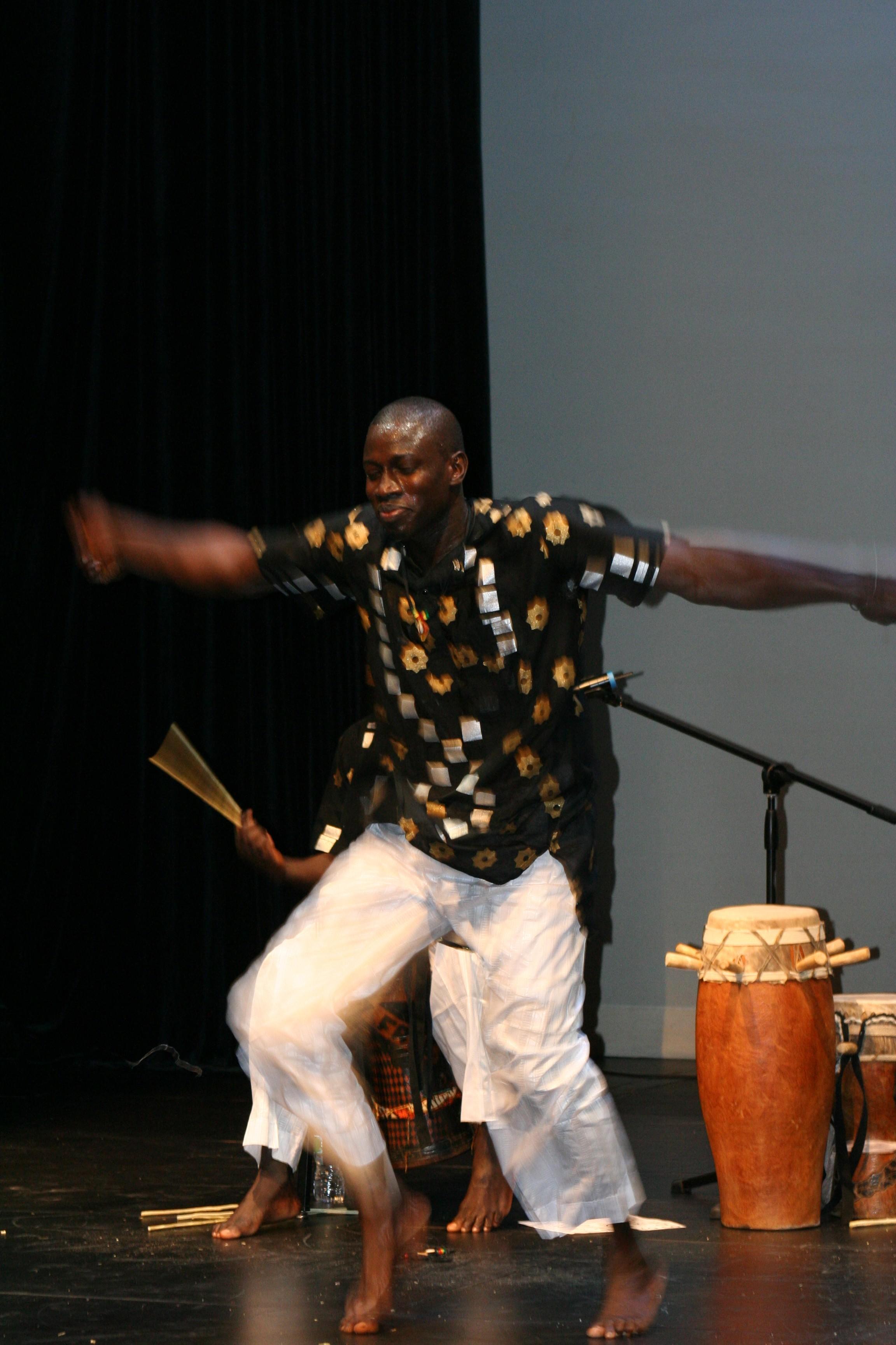 Aziz Faye dances.