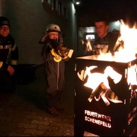 Lebendiger Adventskalender:<br>Feuerwehr