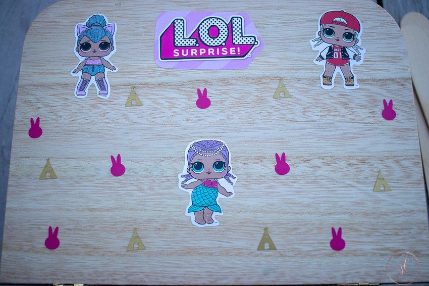 een reiskoffer voor de L.O.L. poppetjes knutselen (5)