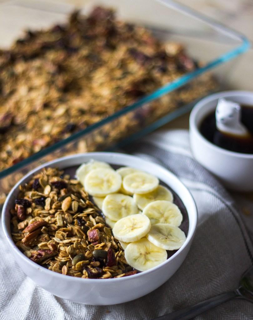 vegan granola met pecannoten en cranberries