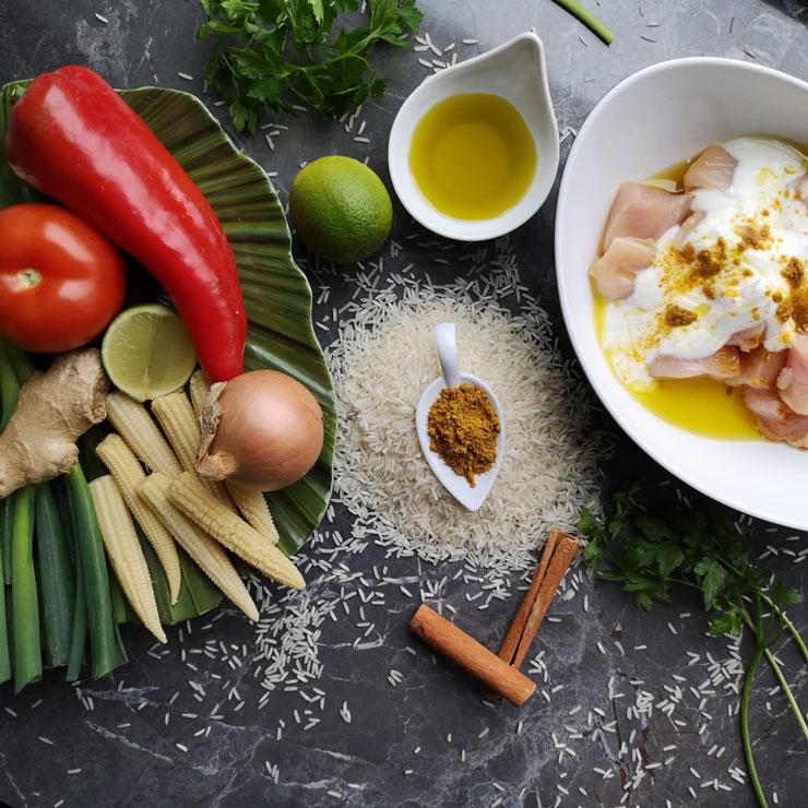 Gemüse, Curry und Fleisch
