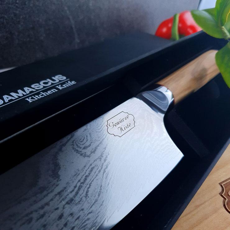 Ein Damast Chef Messer