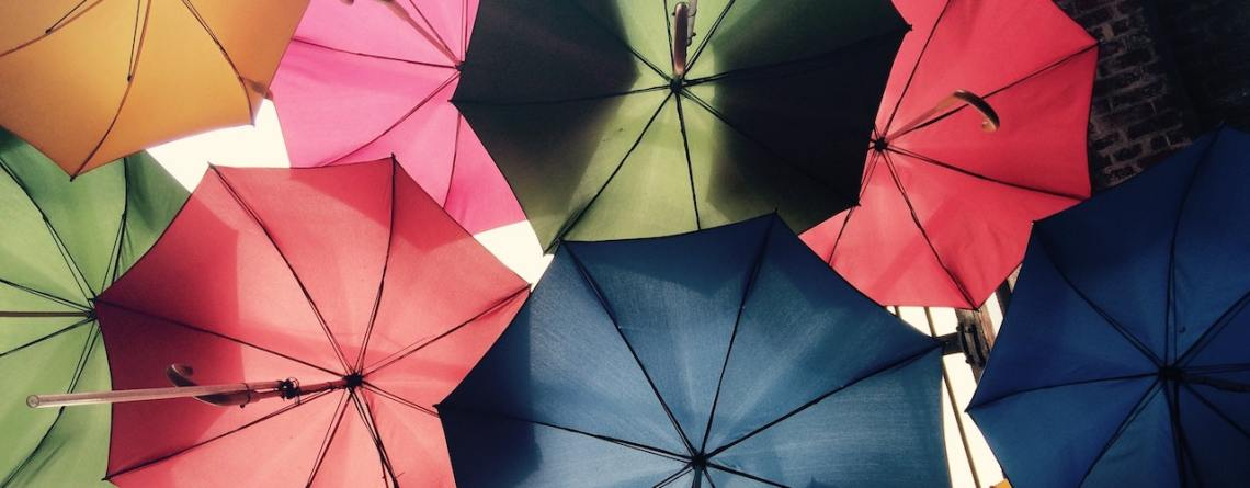 Imagen de paraguas, símbolo de la protección contra adversidades inesperadas. Seguros para barcos Tenerife