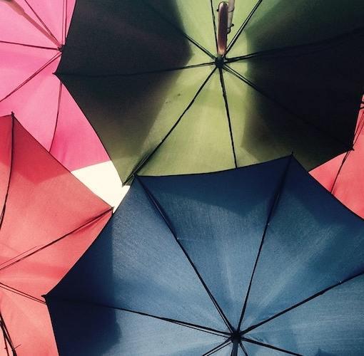 Imagen de paraguas, símbolo de la protección contra adversidades inesperadas