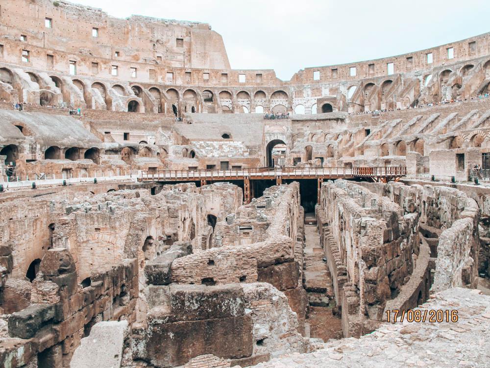 Roma'nın dev arenası kolezyum