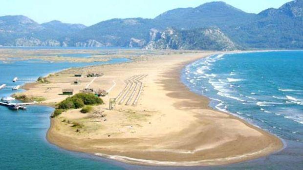 Muğlada-Gezilecek-Yerler-İztuzu-Plajı
