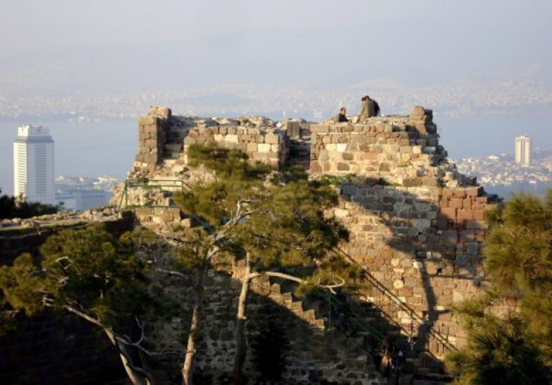 İzmir-Gezilecek-Yerler-Kadifekale