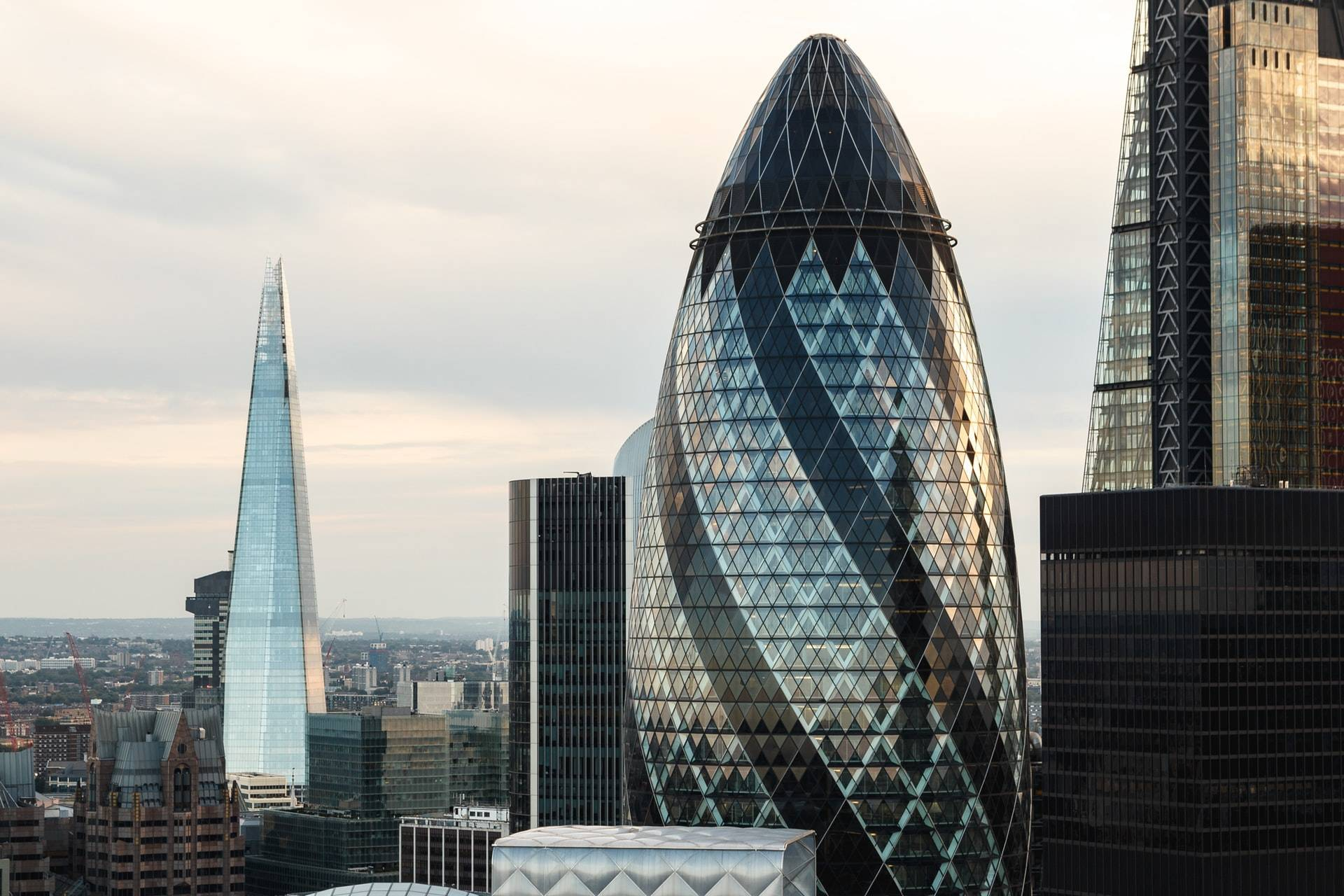 Gherkin Binası (30 St Mary Axe)