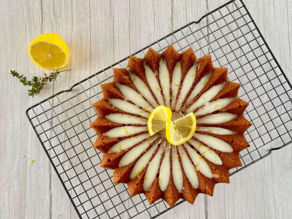 Italiaanse citroencake met tijm en ricotta