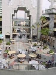 Hollywood' da alışveriş merkezi
