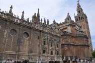 Katedral'in arka cephesi