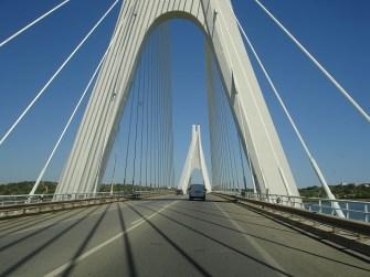 Portekiz-İspanya geçişindeki asma köprü