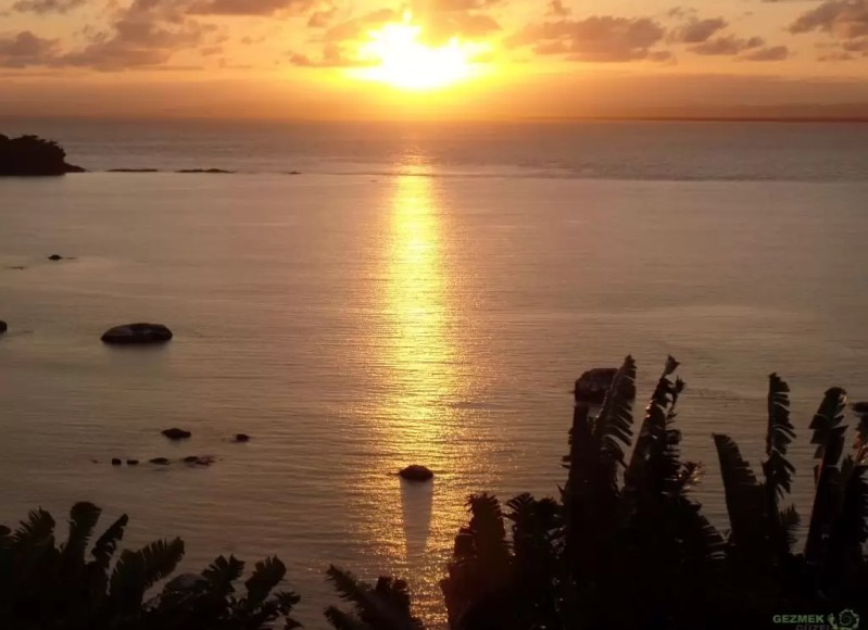 La Crique Günbatımı, Madagaskar'da Balayı
