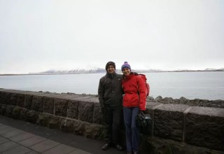 Reykavik'da deniz kenarında