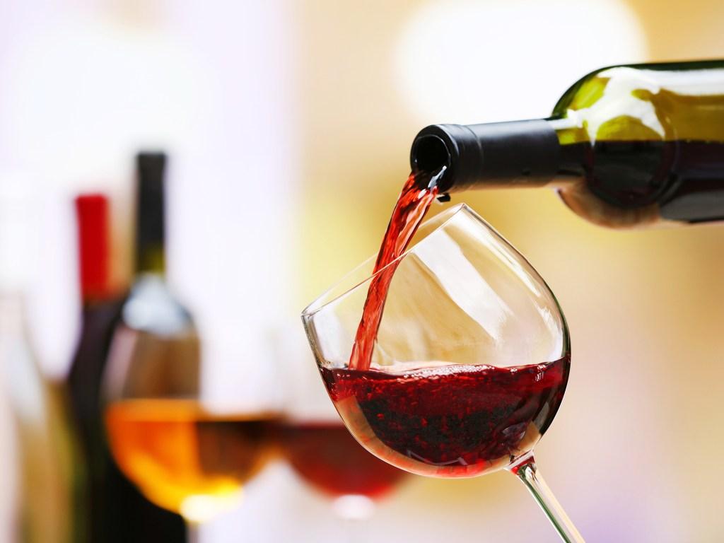 アドセンスはワイン・シャンパンの記事なら貼ってもいいの?