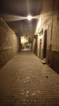 Nachts unterwegs in der Medina