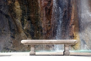 park-bench-waterfall-1202609-639x427