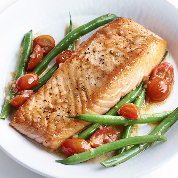 Sautéed Salmon with Green Beans, Tomatoes, and Sherry Vinaigrette