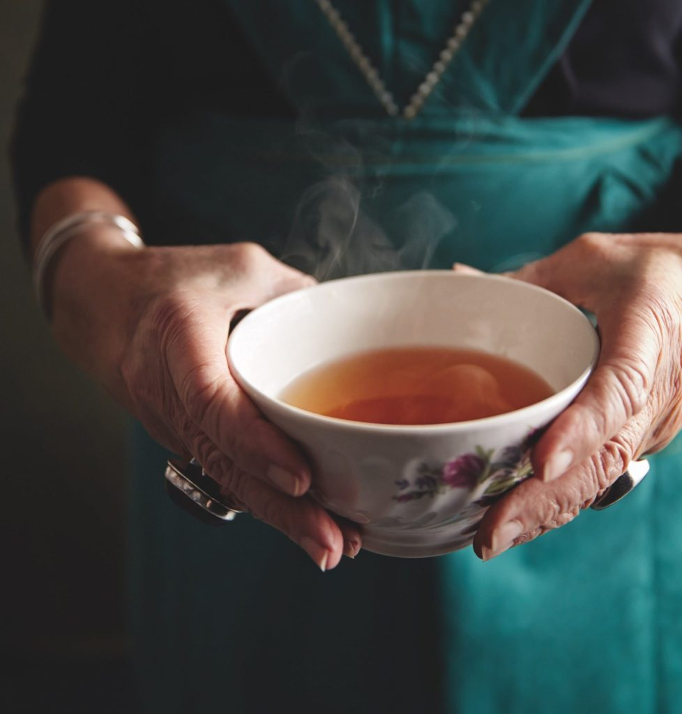 The Benefits of Bone Broth and the Complete Recipe