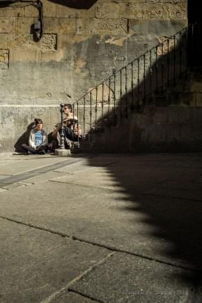 Por las sombras, por la cara...