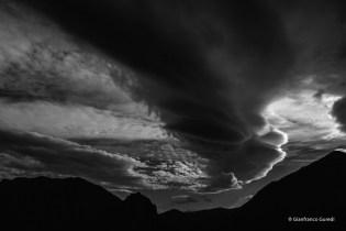 Tresviso. Y las nubes que bailan con las montañas.