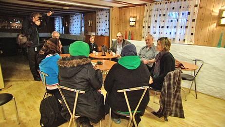 Tiggere i møte med Frelsesarmeen og kommunelegen i Kristiansand (Foto: Kari Løberg Skår/NRK)
