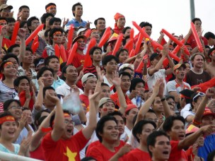 Awesome Vietnamese Football supporters !