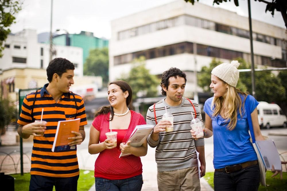 هل تعلم اللغة الانجليزية في بريطانيا هو الاختيار الأفضل لك؟! هنا كل ما تود معرفته عن دراسة اللغة في بريطانيا