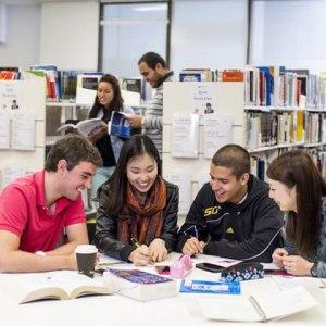 برنامج-اللغة-الإنكليزية-الصيفي-للشباب