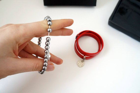 GG UNIQUE RED BRACELET HEMATITE