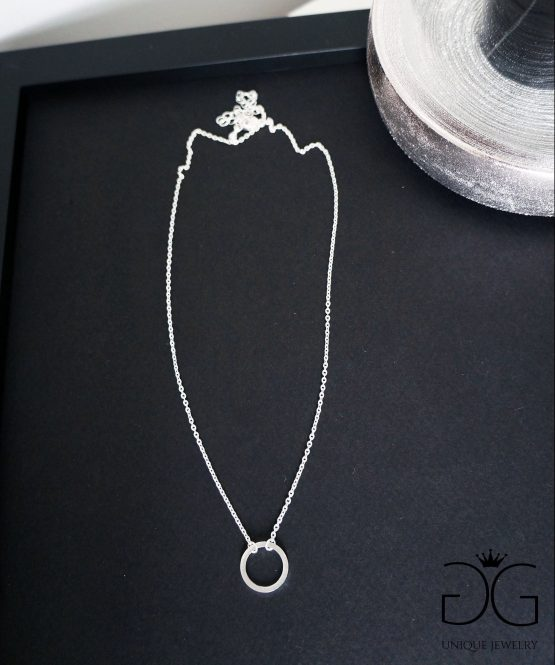 GG UNIQUE SILVER KARMA CIRCLE NECKLACE