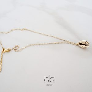 Natural shell necklace with gold plating - GG UNIQUE