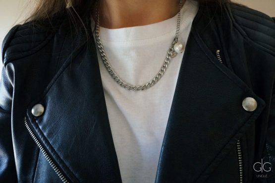 Steel color necklace with a freshwater pearl - GG UNIQUE
