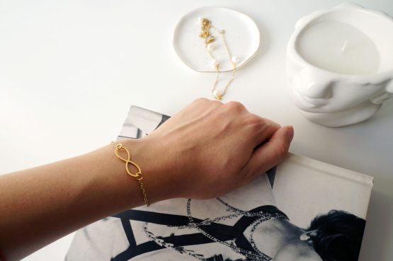 Minimal gold infinity bracelet - GG UNIQUE