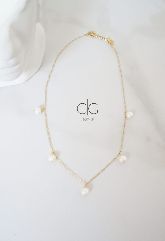 Minimal subtle gold necklace with freshwater pearls - GG UNIQUE